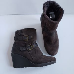 Khumbu Berkeley brown suede wedge booties